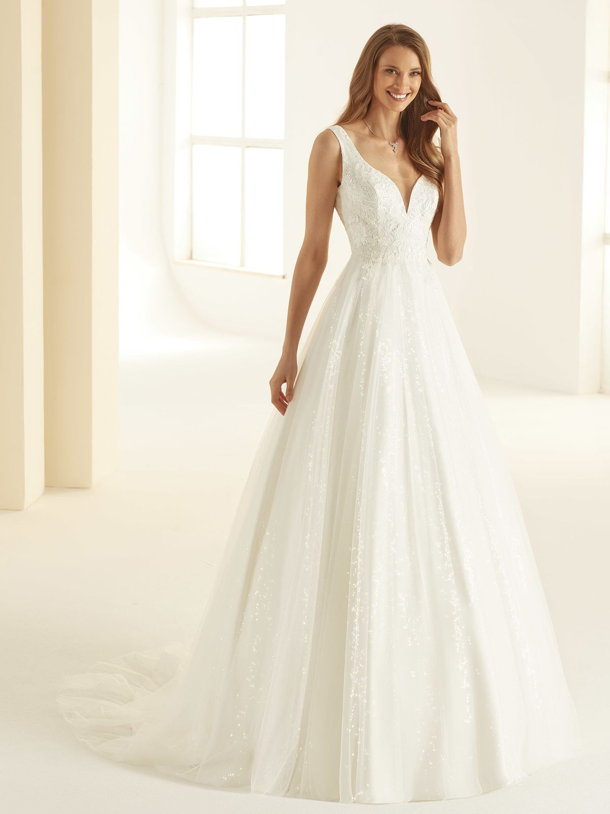 bianco-evento-bridal-dress-larissa-_1__1