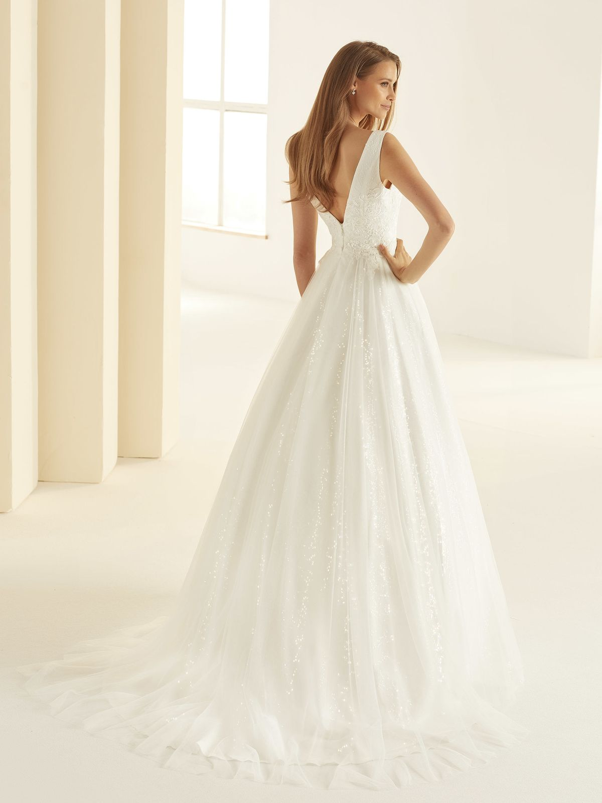 bianco-evento-bridal-dress-larissa-_3__1