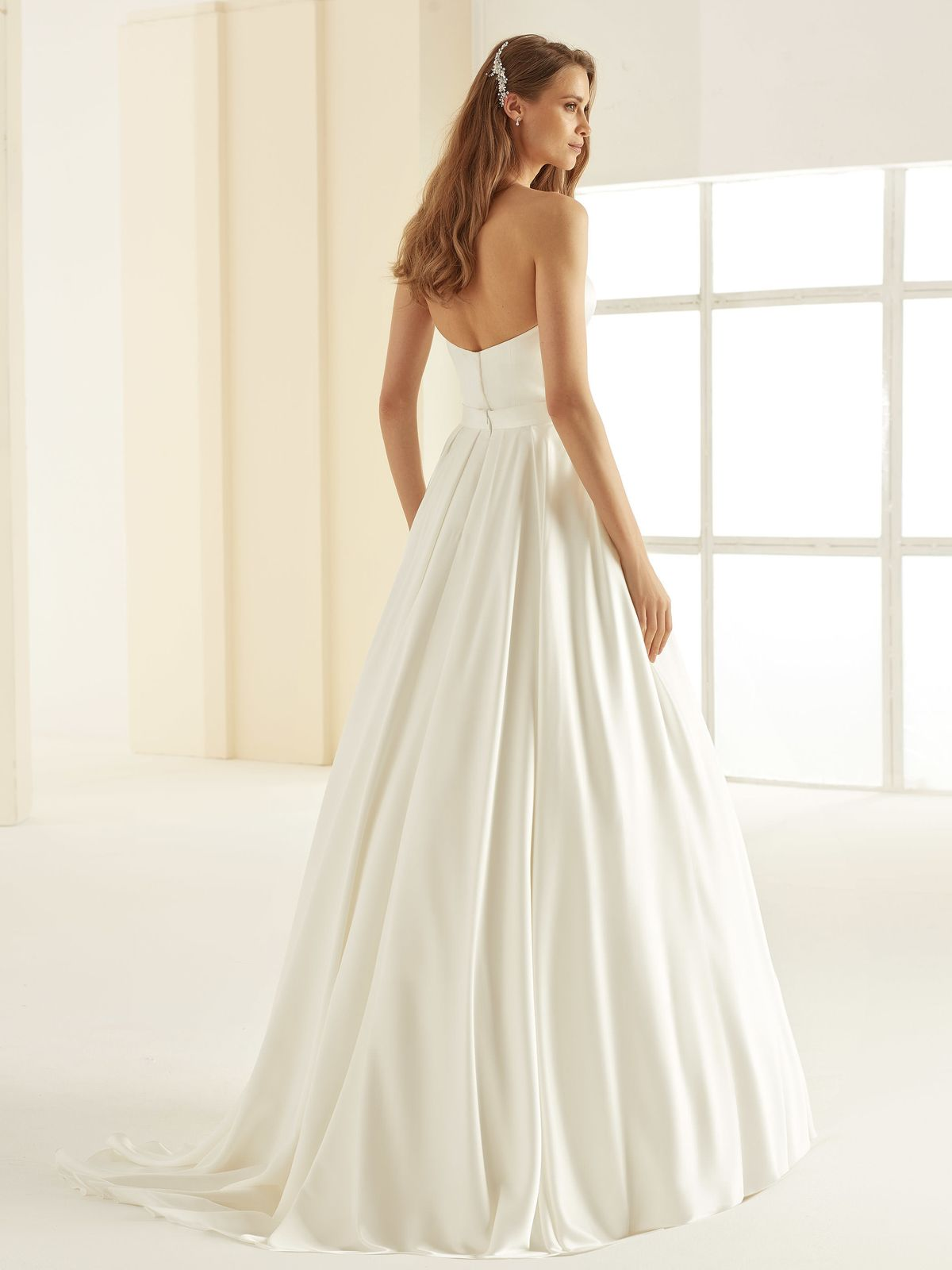 bianco-evento-bridal-separates_skirt-madagascar-_3__1